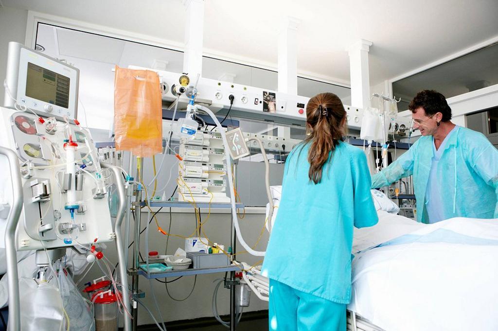 Stock Photo: 1566-471474 Box, Resuscitation unit. Hospital Universitario de Gran Canaria Doctor Negrin, Las Palmas de Gran Canaria. Canary Islands, Spain