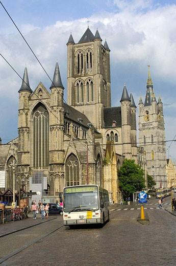 St  Nicholas´ Church and Lakenhalle from St  Michael´s bridge  Ghent  Flanders  Belgium : Stock Photo
