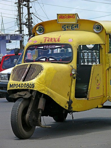 Mad max local transports vehicle along the road  Bhopal, Madhyaprsdesh, India : Stock Photo