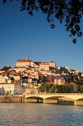 Stock Photo: 1566-475860 Rio Mondego & Ponte de Santa Clara, Coimbra, Beira Litoral, Portugal