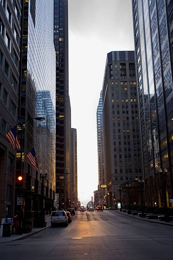 Stock Photo: 1566-478013 Downtown Business district, Chicago IL