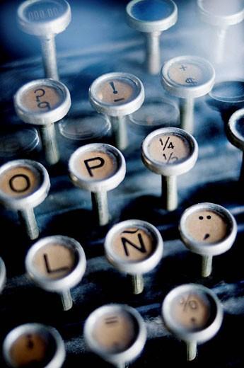 Stock Photo: 1566-479010 maquina de escribir antigua, tipografía, tecla, letras, tipography, simbolos