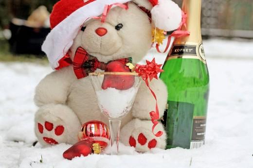Stock Photo: 1566-485464 Teddy Bear White Christmas Snow Party