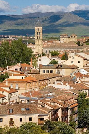 Overview of town with church of San Esteban, Segovia. Castilla-Leon, Spain : Stock Photo