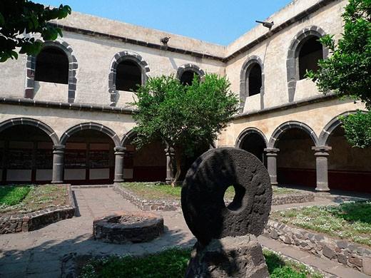 Stock Photo: 1566-493235 Convento de San Juan Evangelista. Barrio de Culhuacán. Ciudad de México.