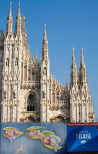 Stock Photo: 1566-494435 Cathedral, Milan Italy