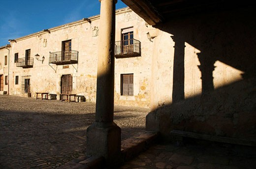 Stock Photo: 1566-494737 Main Square, Pedraza. Segovia province, Castilla-Leon, Spain