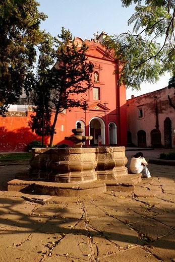 Stock Photo: 1566-494891 Convento del Carmen, sur de Ciudad de México.