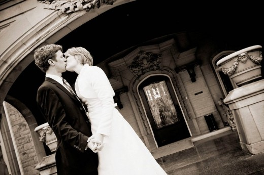 bride and groom kissing, just married : Stock Photo