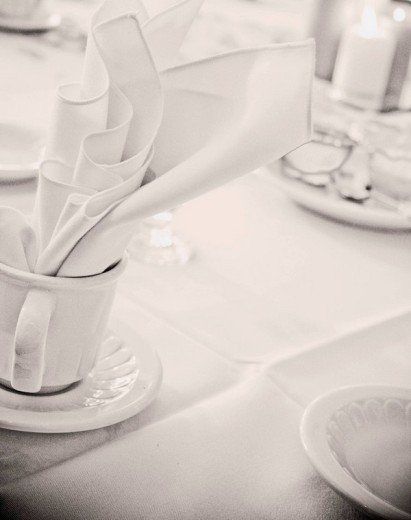 Stock Photo: 1566-495335 tableware still life, coffee cups and napkins