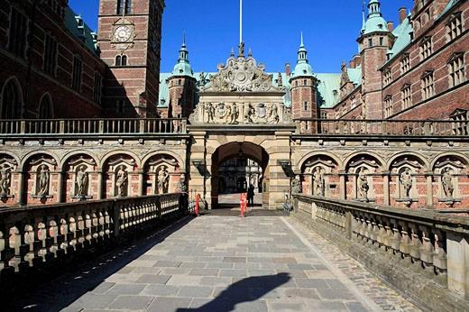 Stock Photo: 1566-496307 Frederiksborg palace (1602-1620 by architects Hans and Lorents van Steenwinckel), Hillerod near Copenhagen, Denmark