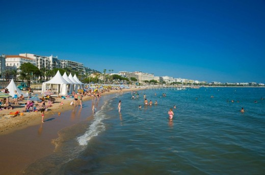 Stock Photo: 1566-496654 France Provence-Alpes-Côte d´Azur Cannes Boulevard de la Croisette and beach