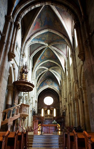 Stock Photo: 1566-496846 Hungary Trasdanubio Pannonhalma Bebedictine Abbey Basilica Early Gothic Unesco World Heritage Site
