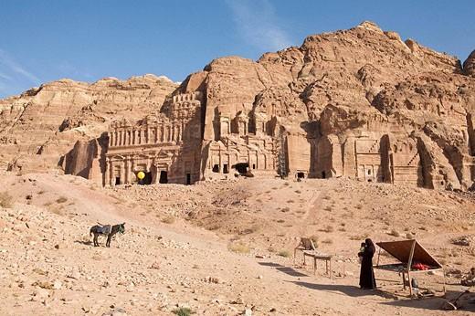 Stock Photo: 1566-496972 Jordan, Petra View of Royals Tombs