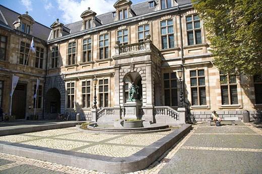 Stock Photo: 1566-498321 Library of the City of Antwerp in Hendrik Conscienceplein, Antwerp. Belgium
