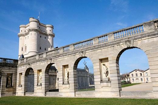 Stock Photo: 1566-501213 France, Vincennes 94  Vincennes castle