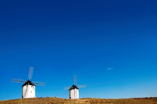 España. Castile-La Mancha. Ciudad Real province, Tembleque, windmills : Stock Photo