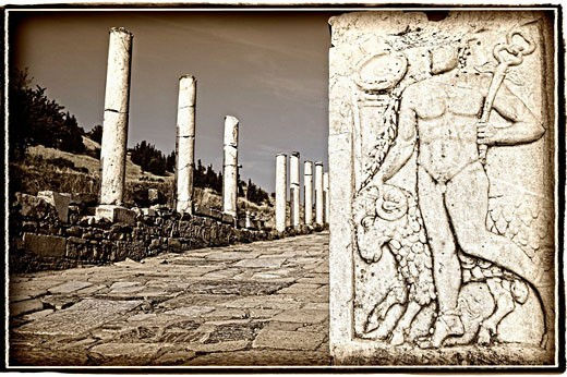 Stock Photo: 1566-511085 Pillars of Ruins, Ephesus, Turkey