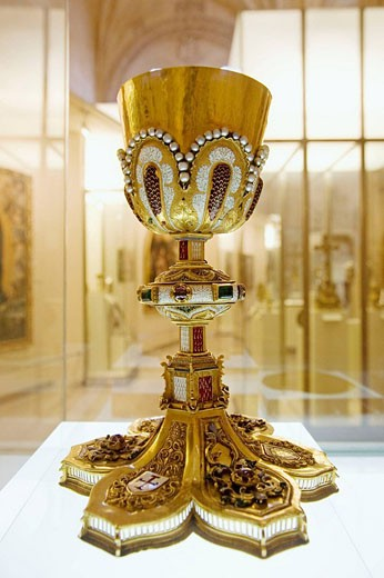 Stock Photo: 1566-513626 Chalice in the cathedral museum, Burgos. Castilla-Leon, Spain
