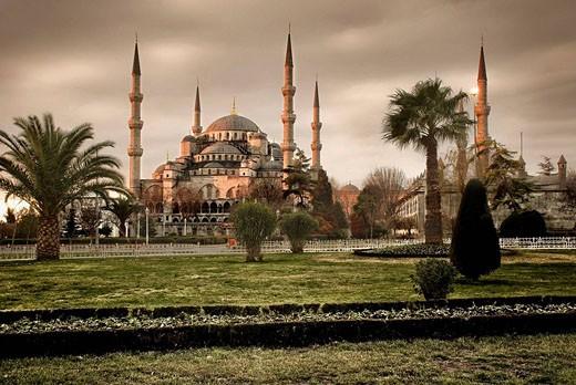 Stock Photo: 1566-517864 Sultanahmet Mosque, Istambul, Turkey