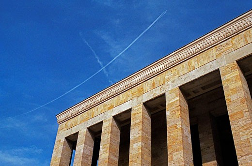 Stock Photo: 1566-518220 View of Atatürk Mausoleum and the sky, in Ankara
