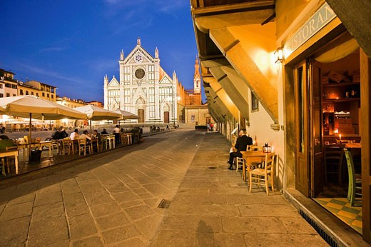Restaurant in Santa Croce Square and Basilica of Santa Croce in background, Florence. Tuscany, Italy : Stock Photo
