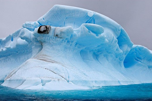 Stock Photo: 1566-525465 Iceberg in the Lemaire Channel, Antarctica