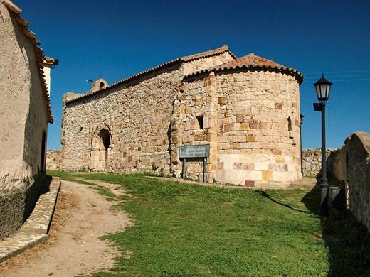 Iglesia románica Santiago de los Caballeros, SXII. Zamora. Castilla y León. España. : Stock Photo