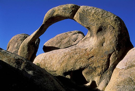 Natural Arch, Alabama Hills, Sierra Nevada Mountains, Lone Pine, California, USA : Stock Photo