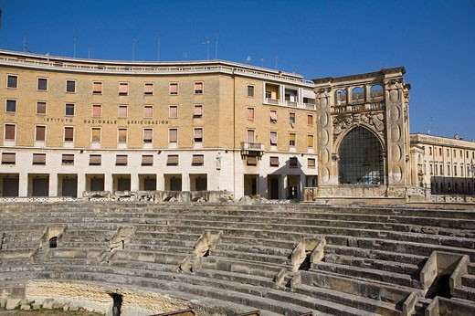 Roman amphitheatre, Sant´Oronzo Square, Lecce. Province of Lecce, Apulia, Italy : Stock Photo