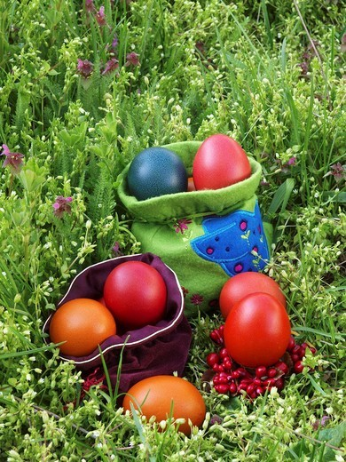 Stock Photo: 1566-540298 Coloured Easter Eggs