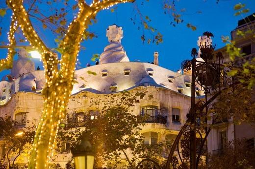 Mila House (aka La Pedrera) during Christmas time, Passeig de Gracia, Barcelona. Catalonia, Spain : Stock Photo