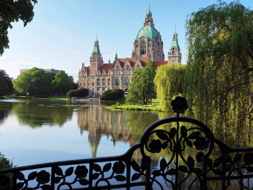 New Town Hall, view from the Masch park, built 1913 by the architects Hermann Eggert und Gustav Halmhuber, Hannover, Lower Saxony, Germany : Stock Photo