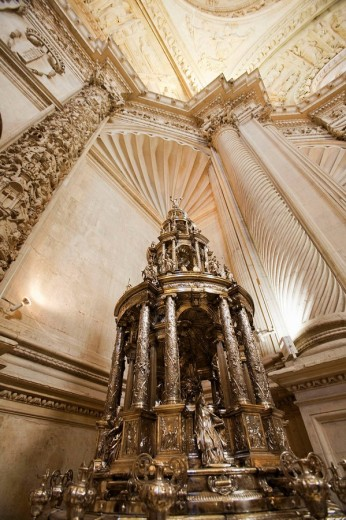 Silver monstrance by Juan de Arce (1587) in the Sacristia Mayor of cathedral, Seville. Andalusia, Spain : Stock Photo