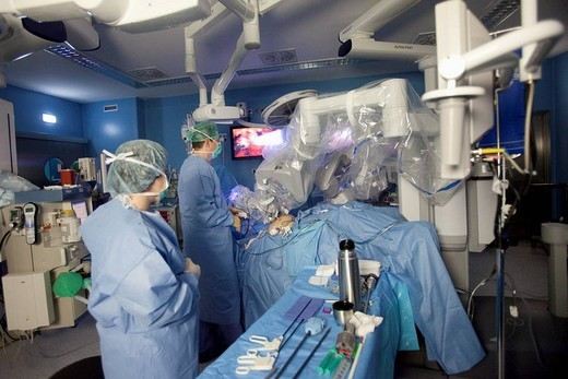 Stock Photo: 1566-552621 Operating room, prostate cancer robotic surgery, Da Vinci surgical robot, urology. Hospital Policlinica Gipuzkoa, San Sebastian, Donostia, Euskadi, Spain