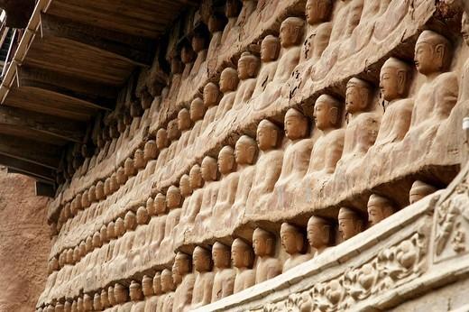 Stock Photo: 1566-553256 Maijishan Grottoes, Tianshui, Gansu, China