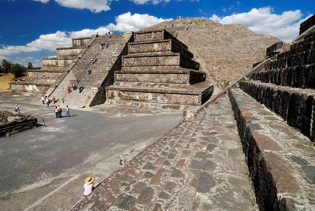 Stock Photo: 1566-553975 Piramide de la Luna, Moon Pyramid, Teotihuacan, UNESCO World Heritage Site, Mexico, Central America