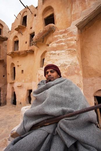 Stock Photo: 1566-565083 Tunisia, Ksour Area, Ksar Ouled Soltane, middle-aged Tunisian man, R, MR-TUN-10-004