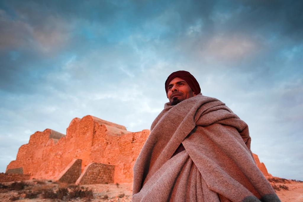 Tunisia, Ksour Area, Ksar Ouled Soltane, middle-aged Tunisian man, R, MR-TUN-10-004 : Stock Photo