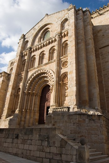 Bishop Door, Savior Cathedral, Zamora, Castilla y Leon, Spain : Stock Photo