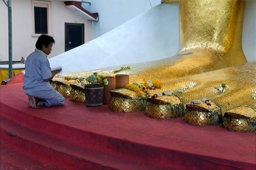Stock Photo: 1566-566900 Standing Buddha Luang Pho or Phrasiariyametri feet  Wat Intharawihan, Nakhon district, Bangkok, Thailand, Asia