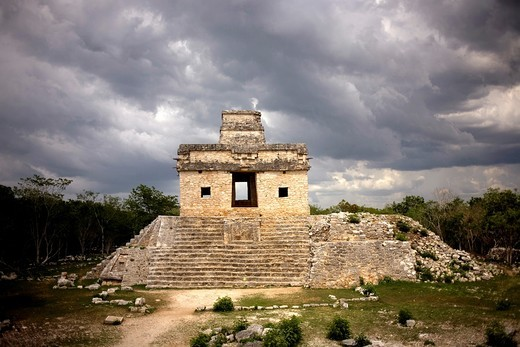 Stock Photo: 1566-567471 Temple of the Dolls in the Mayan ruins of Dzibilchaltun on Mexico´s Yucatan peninsula.