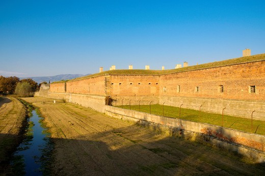 Protective walls of Mala Pevnost the Small fortress at Terezin Theresienstadt north Bohemia Czech Republic Europe : Stock Photo