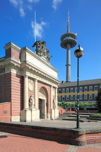 Stock Photo: 1566-569361 D-Wesel, Rhine, Lower Rhine, North Rhine-Westphalia, NRW, Berliner-Tor-Platz, Berlin Town Gate, part of the former town fortification, baroque, behind the telecommunication tower Langer Heinrich