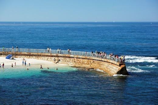 Seawall and beach in La Jolla, California, USA : Stock Photo