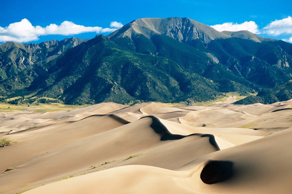 Stock Photo: 1566-571151 Dunes and Sangre de Christo mountains in Great Sand Dunes National Park, Colorado, USA