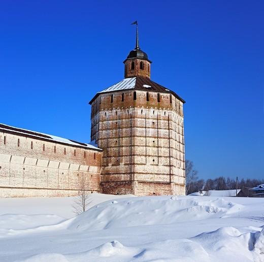 Towers of Kirillo-Belozersky Monastery, Kirillov, Vologda region, Russia : Stock Photo