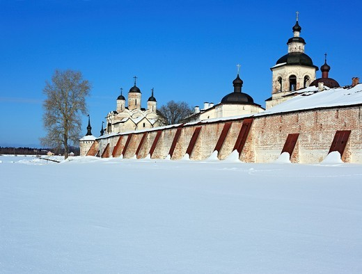 Towers of Kirillo-Belozersky Monastery, Kirillov, Vologda region, Russia : Stock Photo