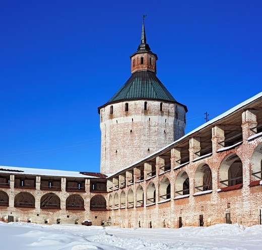 Stock Photo: 1566-574195 Towers of Kirillo-Belozersky Monastery, Kirillov, Vologda region, Russia