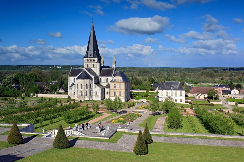Abbey church of St  Georges, Saint-Martin-de-Boscherville, Seine-Maritime department, Upper Normandy, France : Stock Photo